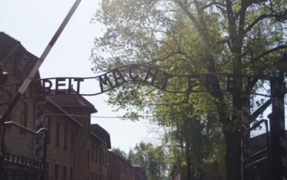 """10.klassetur """"Med hvite busser til Auschwitz"""""""