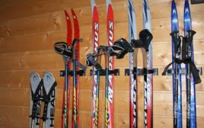 På tide å rydde opp i ski- og stavrotet?