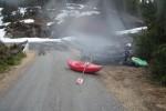 Put-in. Snøsmelting inviterer til padling i relativt små elver.