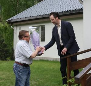 Ole Aastad Bråten takker Kristian Bergsund