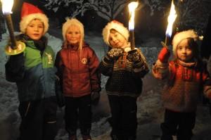 Peder, Nora, Sondre og Irene lyser opp Bagn