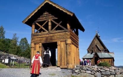Historisk messe i Reinli Stavkyrkje